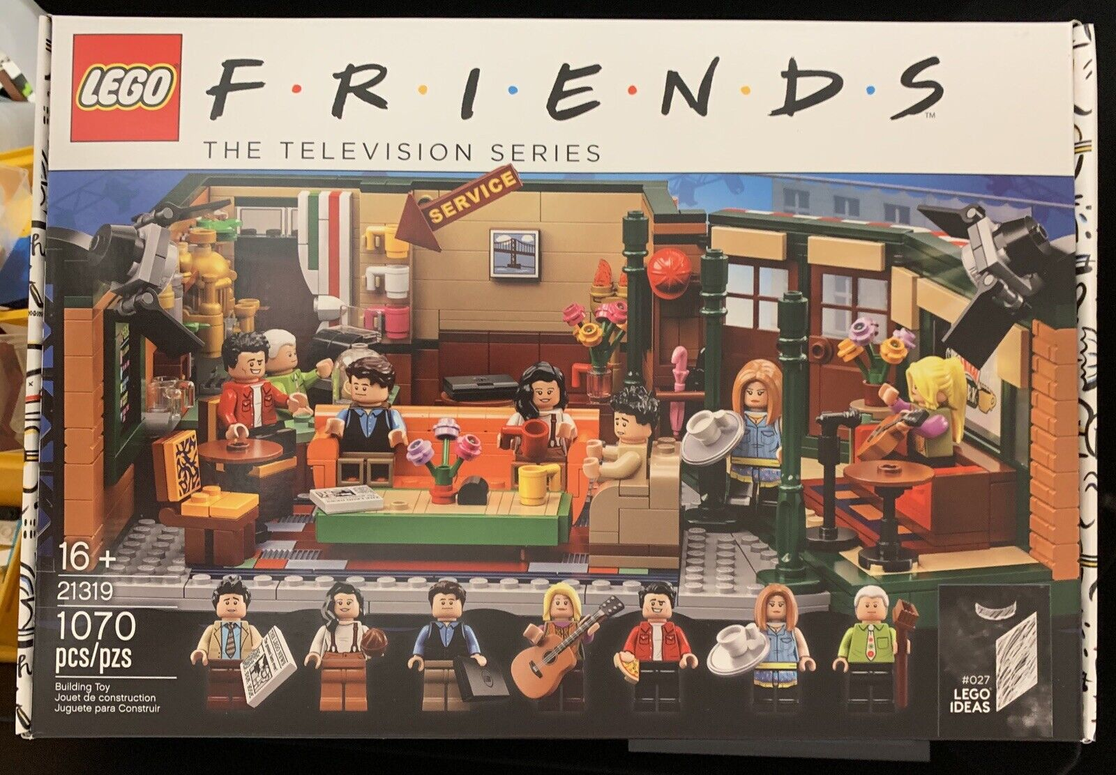 ON He LEGO Ideas 21319  FRIENDS TV series Central Perk set SHIP WITHIN 1 DAY  promozioni