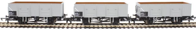 three pack Era 6 British Railways R6906 Hornby OO Gauge 21T Mineral Wagons