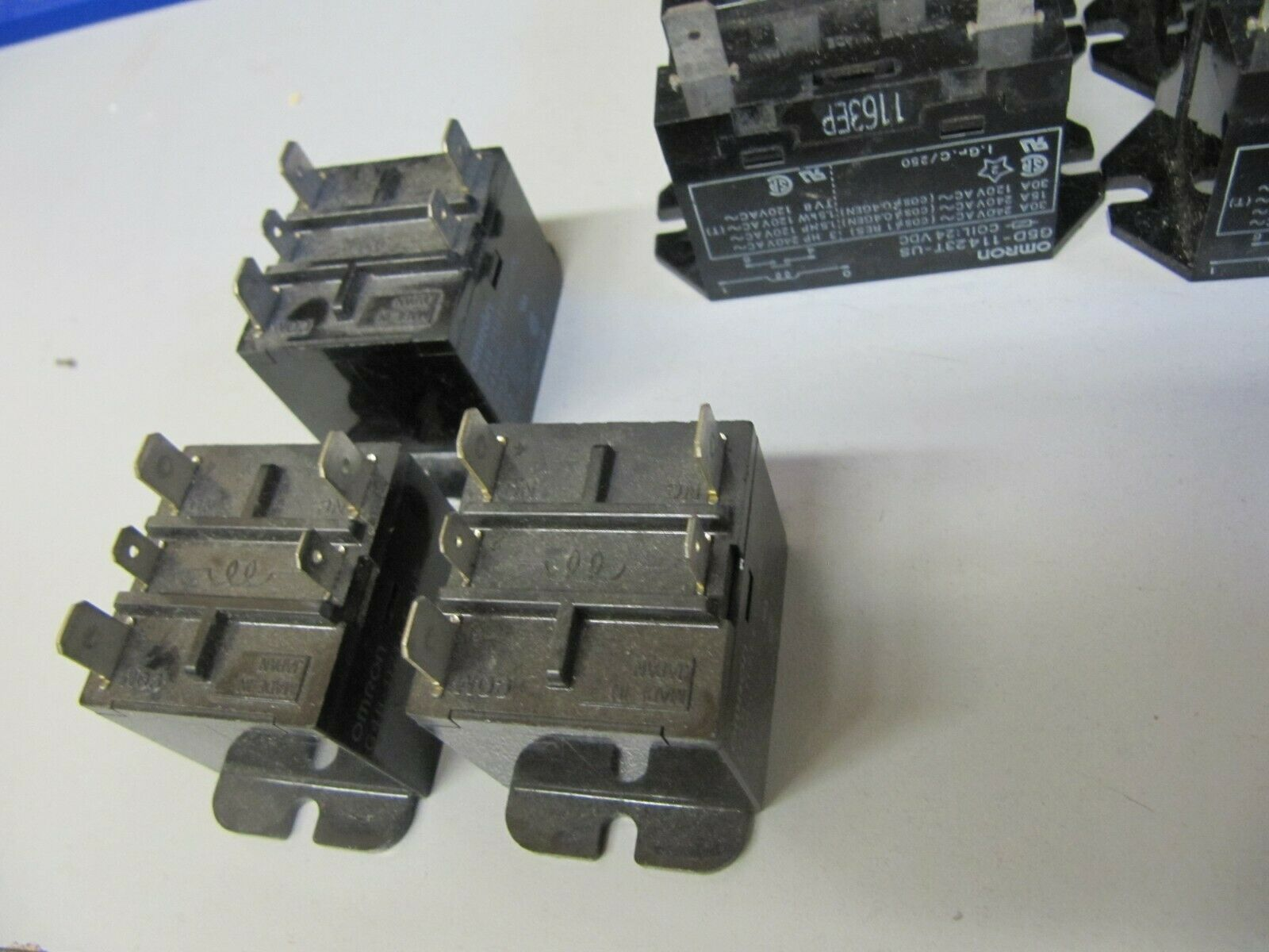 4pc OMRON Power Relay  G5D-11423T-US      120vac Coil