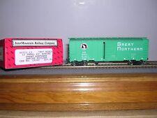 "INTER.#46011-  Great Northern ""Glac.Green"" 40' 12 Panel Box Car w/5 #s H.O.Gauge"