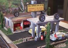 HO WEATHERED BUILT UP DIORAMA/GAS STATION GARAGE AUTO REPAIR BUILDING,CARS,TIRES