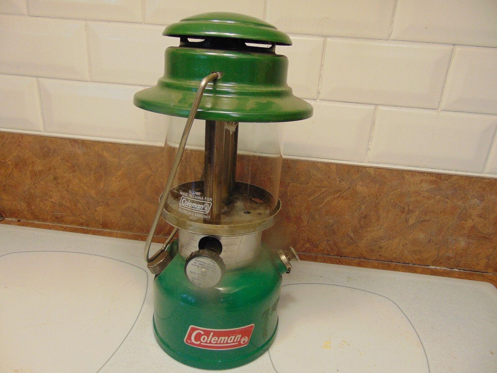 Vintage   lantern coleman    335     nice  a lot of surprises