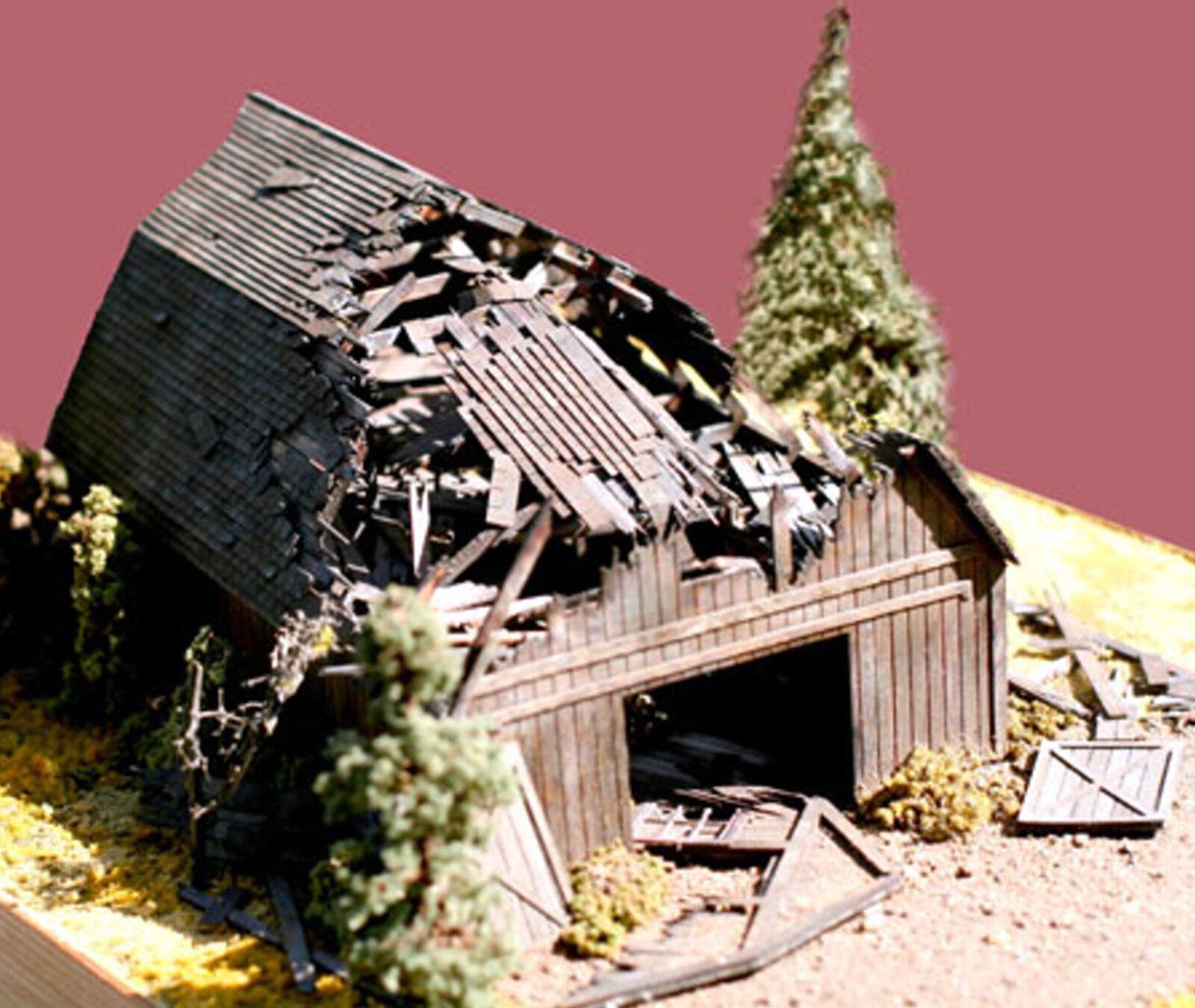 BRANCHLINE TRAINS LAZER-ART HO STRUCTURE BUILDING KIT Fallen Barn 649