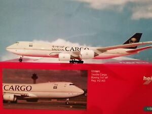Herpa-Wings-1-500-Saudia-Cargo-Boeing-747-8F-532891-HZ-AI3-034