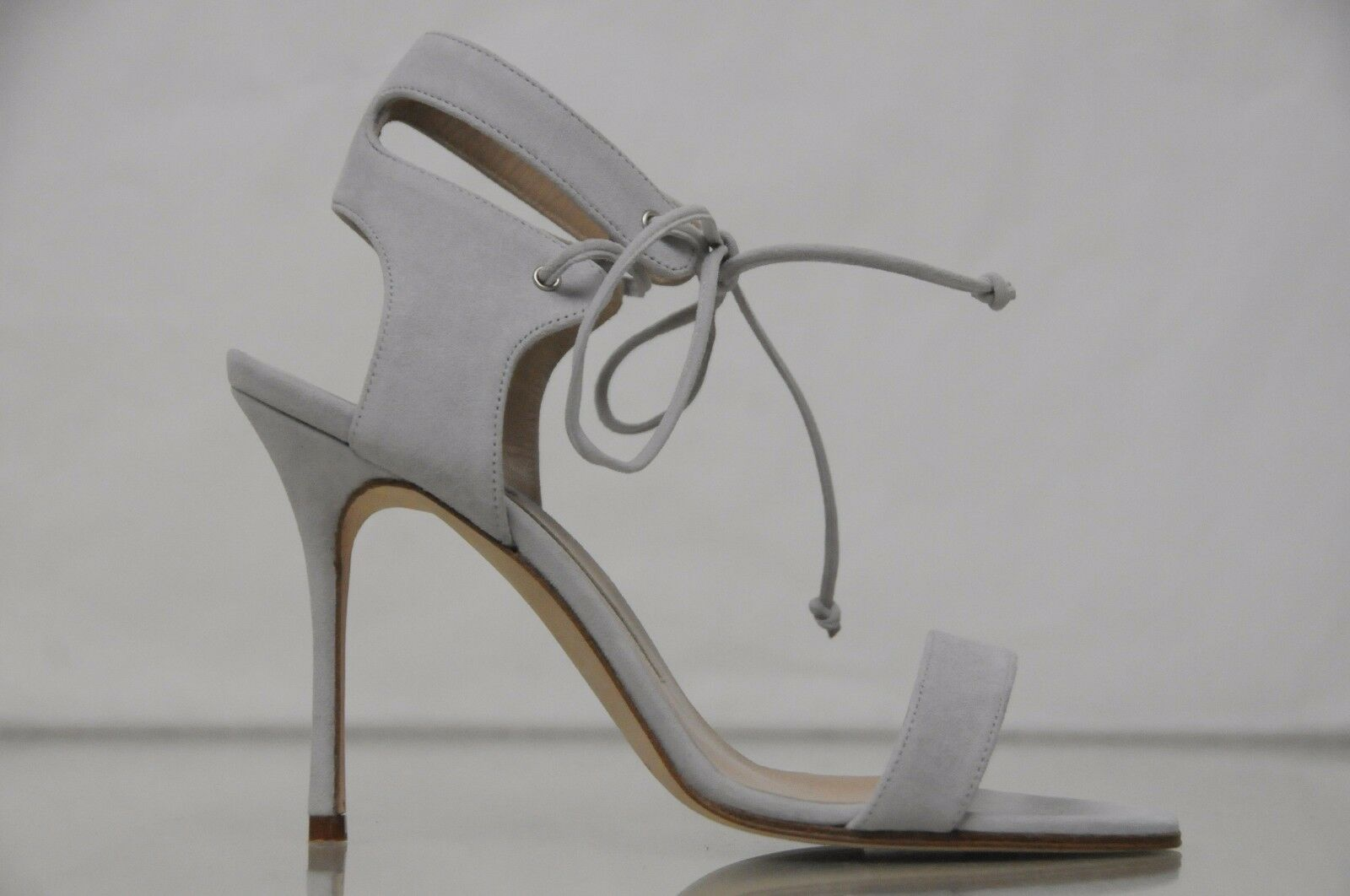 885 New Manolo Blahnik LARAMOD Lace-Up Strappy lt Grey Suede Sandals shoes 40.5