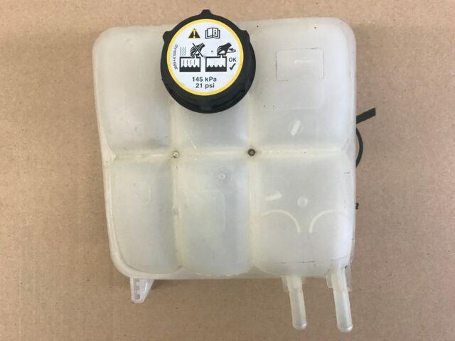 Cap 30776151 30776150 For VOLVO C30 C70 S40 Heater Coolant Expansion Tank