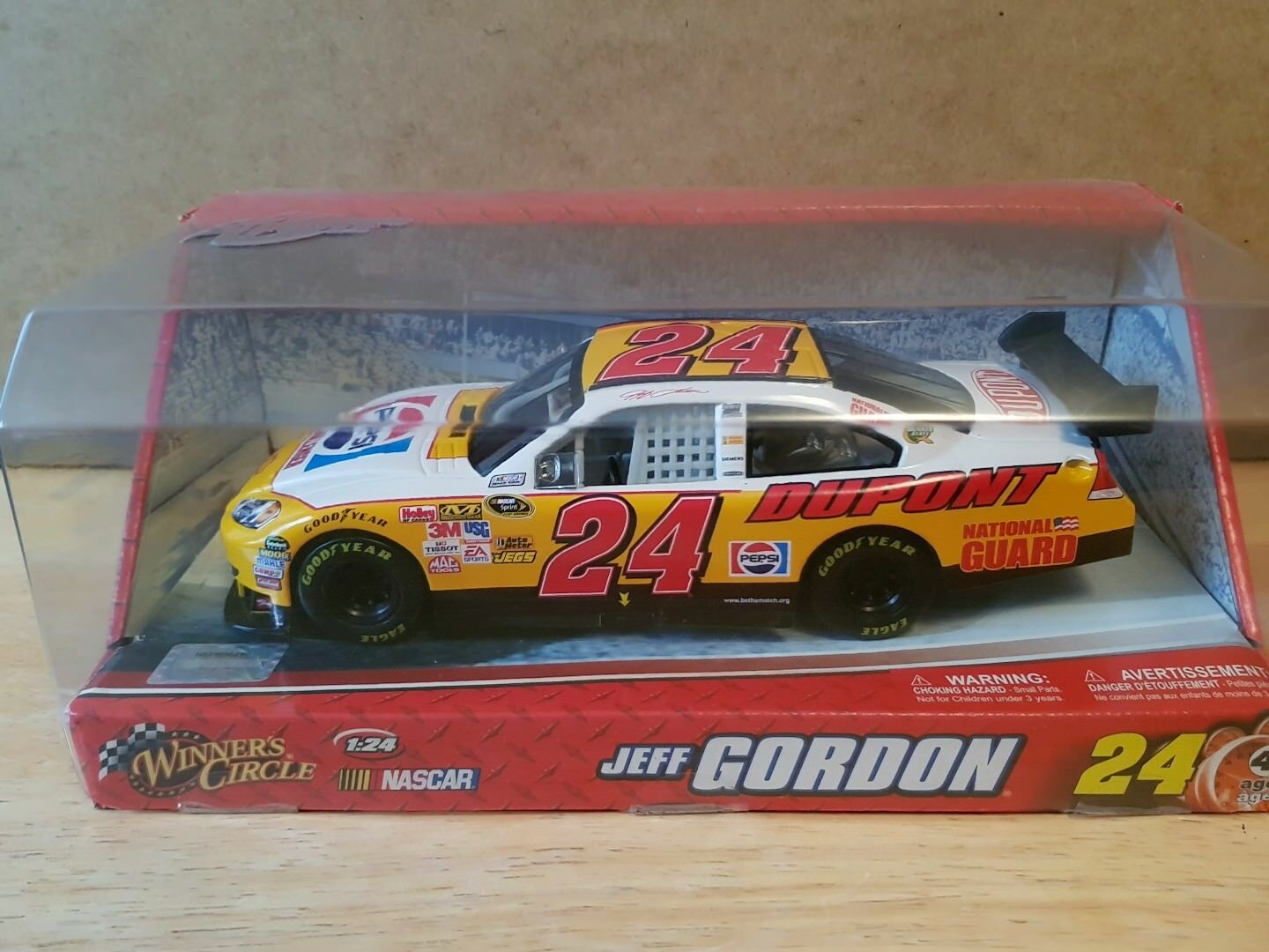 2010 Jeff Gordon Pepsi Challlenger Winners Circle Motorsports Authentics MA 1 24