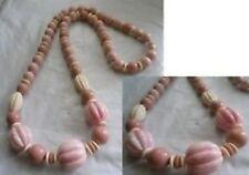 collier rétro perle marbré rose et beige façonnées année 1970 *4950