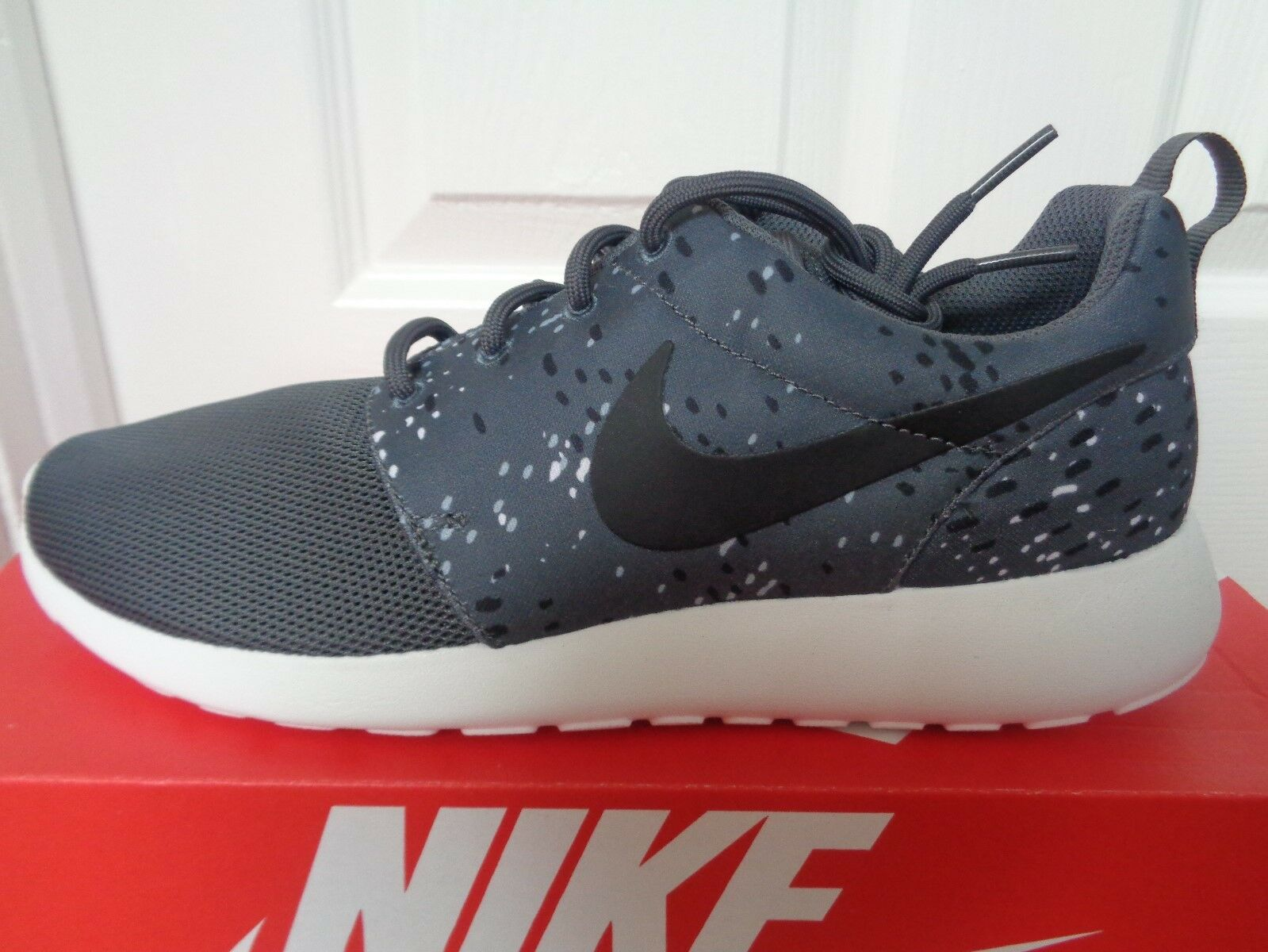buy popular 01eb8 62eb6 Nike Roshe One One One stampa Wmns Scarpe Da Ginnastica Scarpe Da Ginnastica  844958 002 EU 40.5 US 9 NUOVE a1e39c