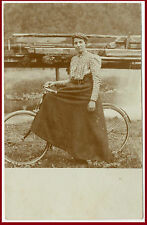 LA DONNA IN BICICLETTA-MODA-BELLISSIMA VECCHIA FOTO D'EPOCA/OLD PHOTO ORIGINALE