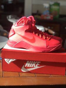 86ada0435382 Nike Men s Hyperdunk  08 Basketball Shoe Solar Red Retro Revival ...