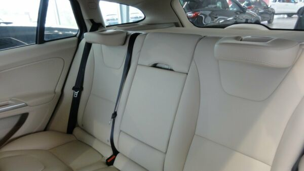 Volvo V60 2,0 D3 150 Momentum aut. - billede 4
