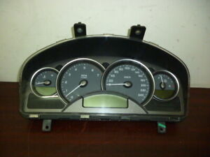 HOLDEN-COMMODORE-VY-CALAIS-LEVEL-3-DASH-CLUSTER-204313KM-CAG