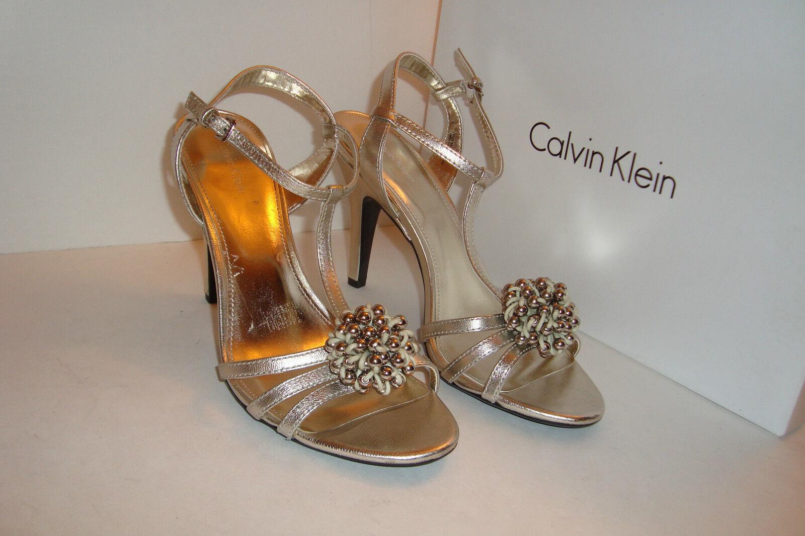 Calvin Klein Damenschuhe Rajah Metallic Off WEISS Sandales Schuhes 9 MED DISPLAY MODEL