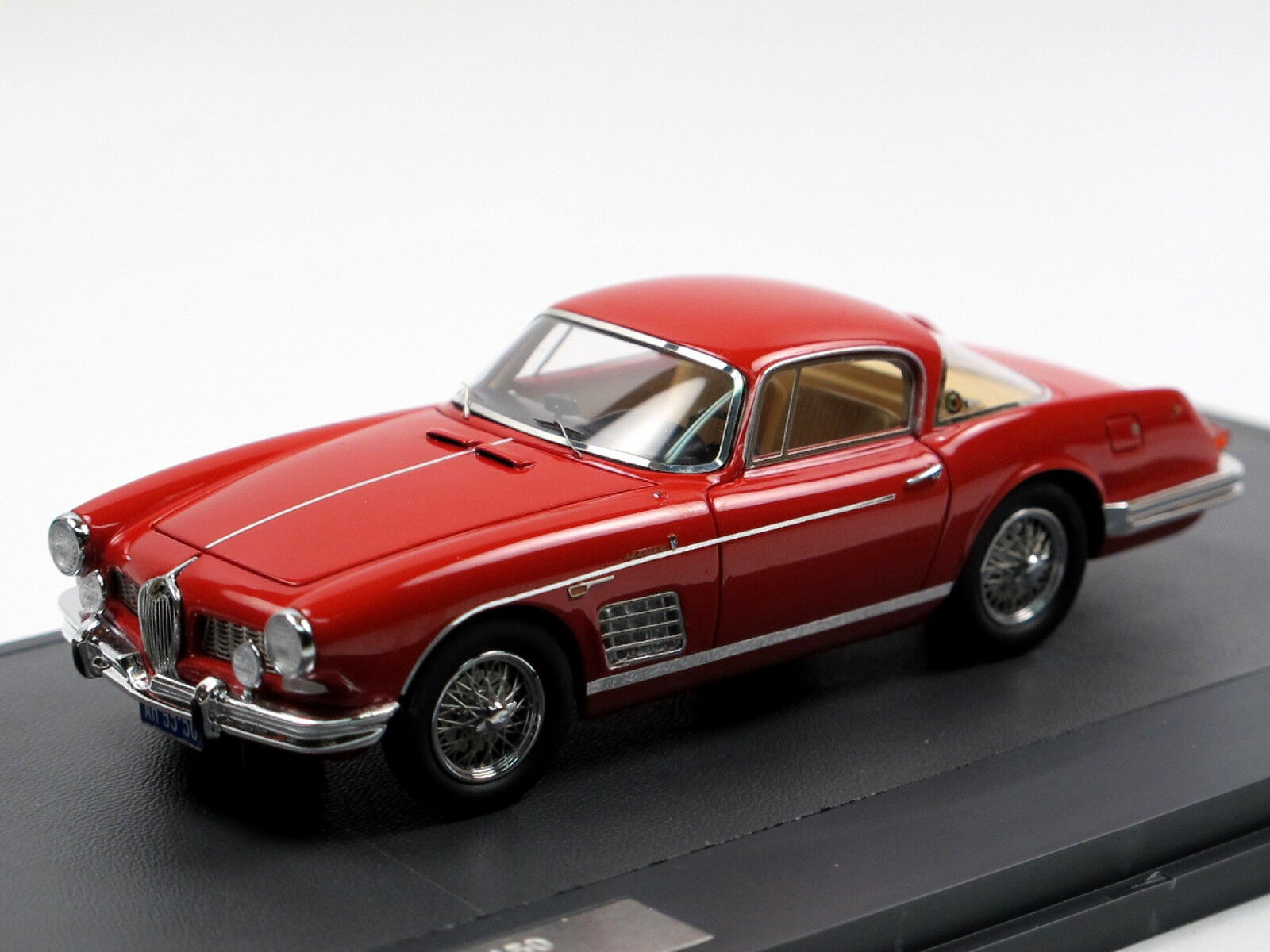 Matrix Scale Models 1957 JAGUAR xk150 Bertone Coupe rosso 1 43