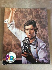 Der-Party-Photograph-Kinofoto-039-68-Rolf-Zacher-Fotoapparat