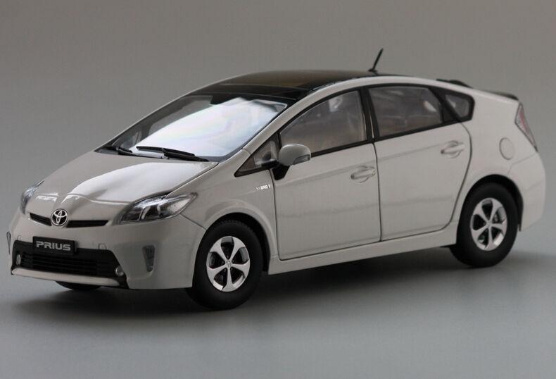 ORIGINAL MODEL,1 18 18 18 Toyota Prius Hybrid car,White 905454