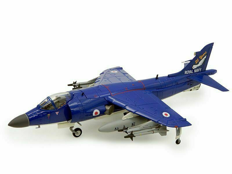 Hobby Master HA4104 - Sea Harrier FA2, ZH809, 899 NAS Admirals Barge Royal Navy