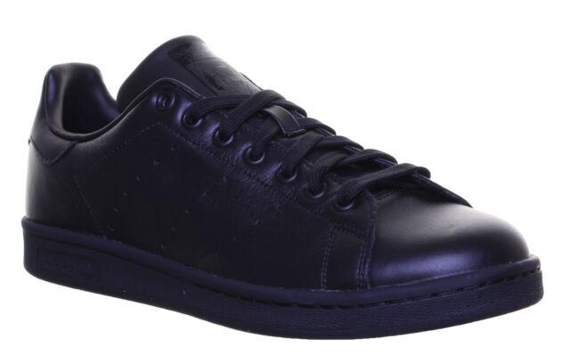 black stan smiths size 6