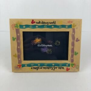 Walt-Disney-World-Wood-Picture-Frame-034-A-Magical-Memory-for-Mom-034-Read