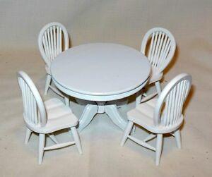 5 PIECE WHITE TABLE SET ROUND TABLE DOLLHOUSE FURNITURE MINIATURES