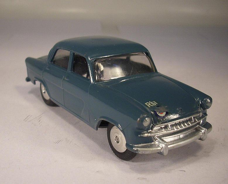 Corgi toys 207 Standard Vanguard III azul gris  055