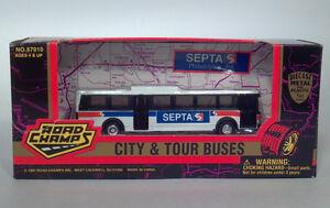 Road-Champs-HO-1-87-Flxible-Metro-Grumman-870-SEPTA-Philadelphia-PA-Transit-Bus