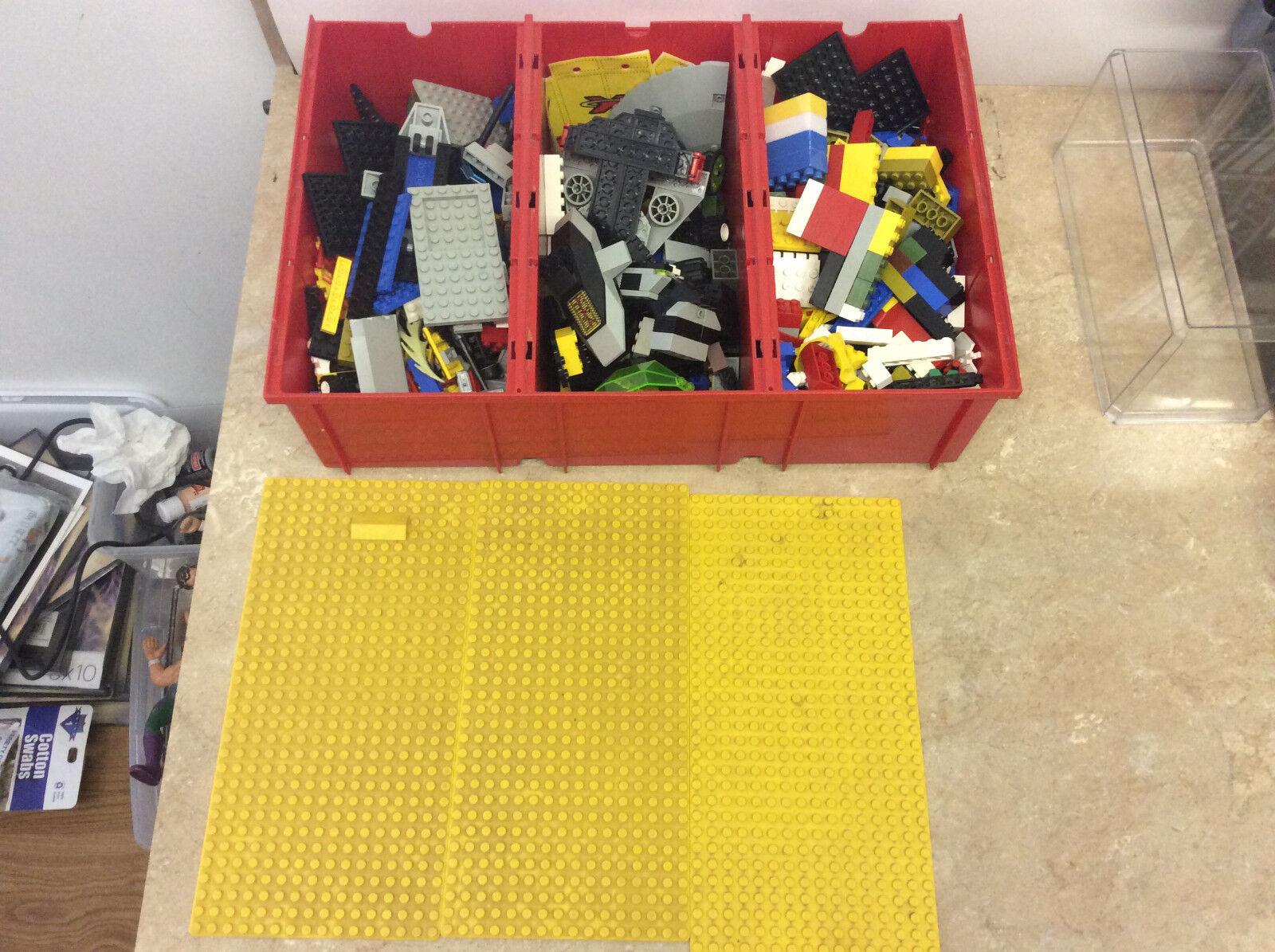Lego 80s Rojo VINTAGE caja de almacenamiento con placas base con legos Amarillo Desmontable