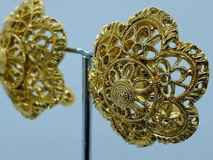 Vintage-Signed-MONET-1950s-Gold-Tone-Filigree-Clip-Earrings
