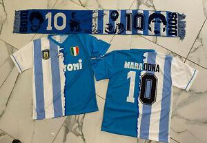 1-maglia-celebrativa-Maradona-Argentina-e-Napoli-insieme-ricordo-sciarpa
