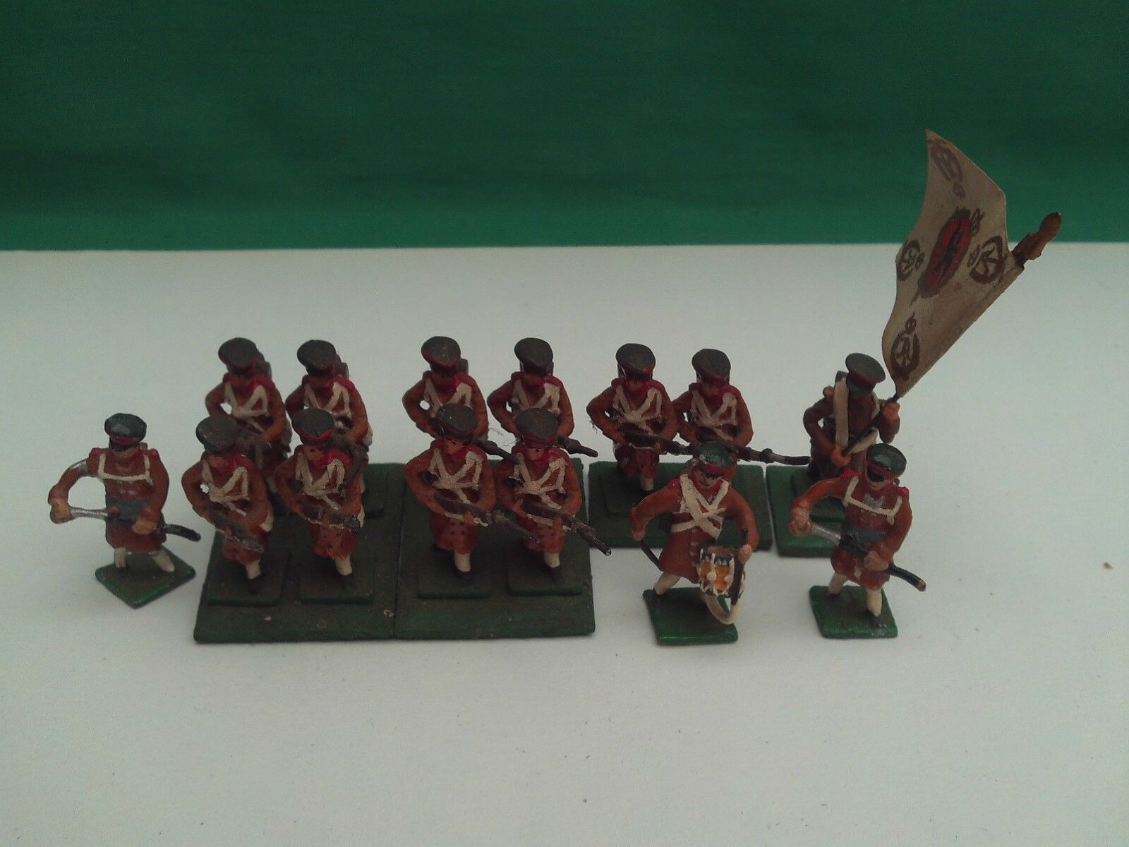 HINCHLIFFE 25 28mm PAINTED & BASED NAPOLEONIC RUSSIAN MUSKETEERS  X 14 NEW