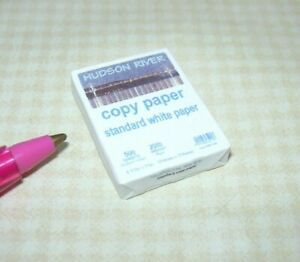 RED//WHITE Miniature Ream of BRAND Copier Printer Paper DOLLHOUSE Office 1:12