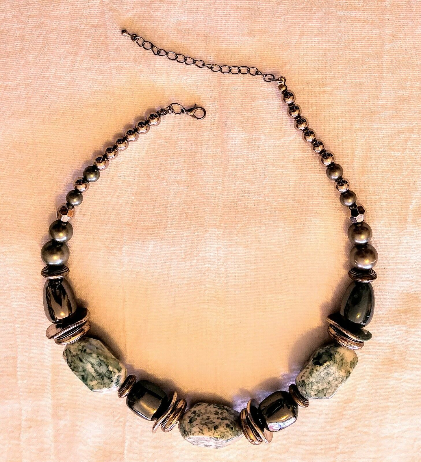 Beautiful vintage long cord  chunky green brown bead retro  necklace jewellery jewelry