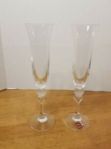GORHAM-CRYSTAL-FROSTED-HEART-CHAMPAGNE-FLUTES-SET-OF-2