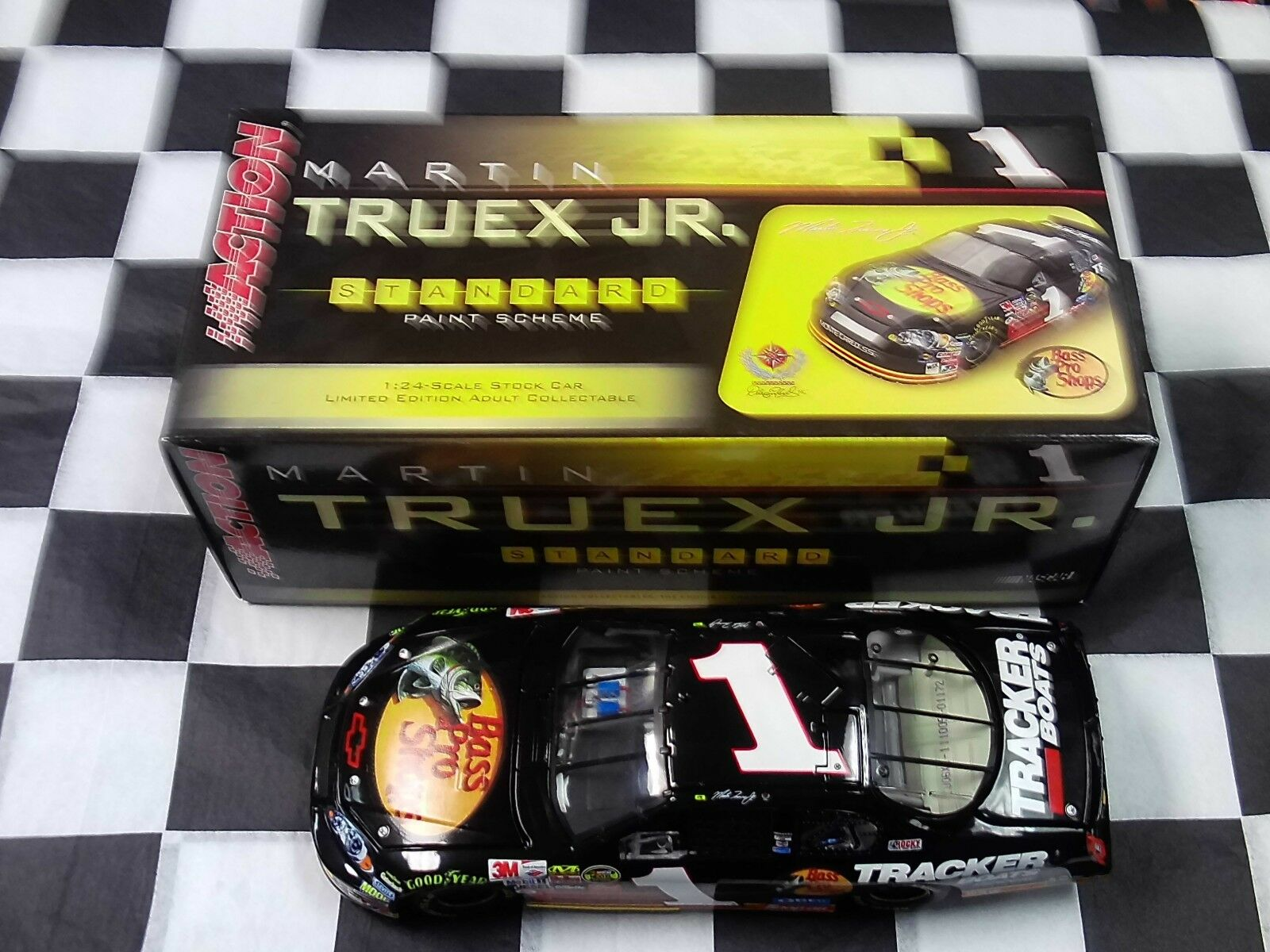 Martin Truex Jr  1 Bass Pro Shops 2006 Monte Carlo Action Car 1:24 111005 NASCAR