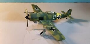 ARMOUR-98033-LUFTWAFFE-FW-190-034-WERNER-MOLDERS-034-1-48-SCALE-DIECAST-METAL-MODEL