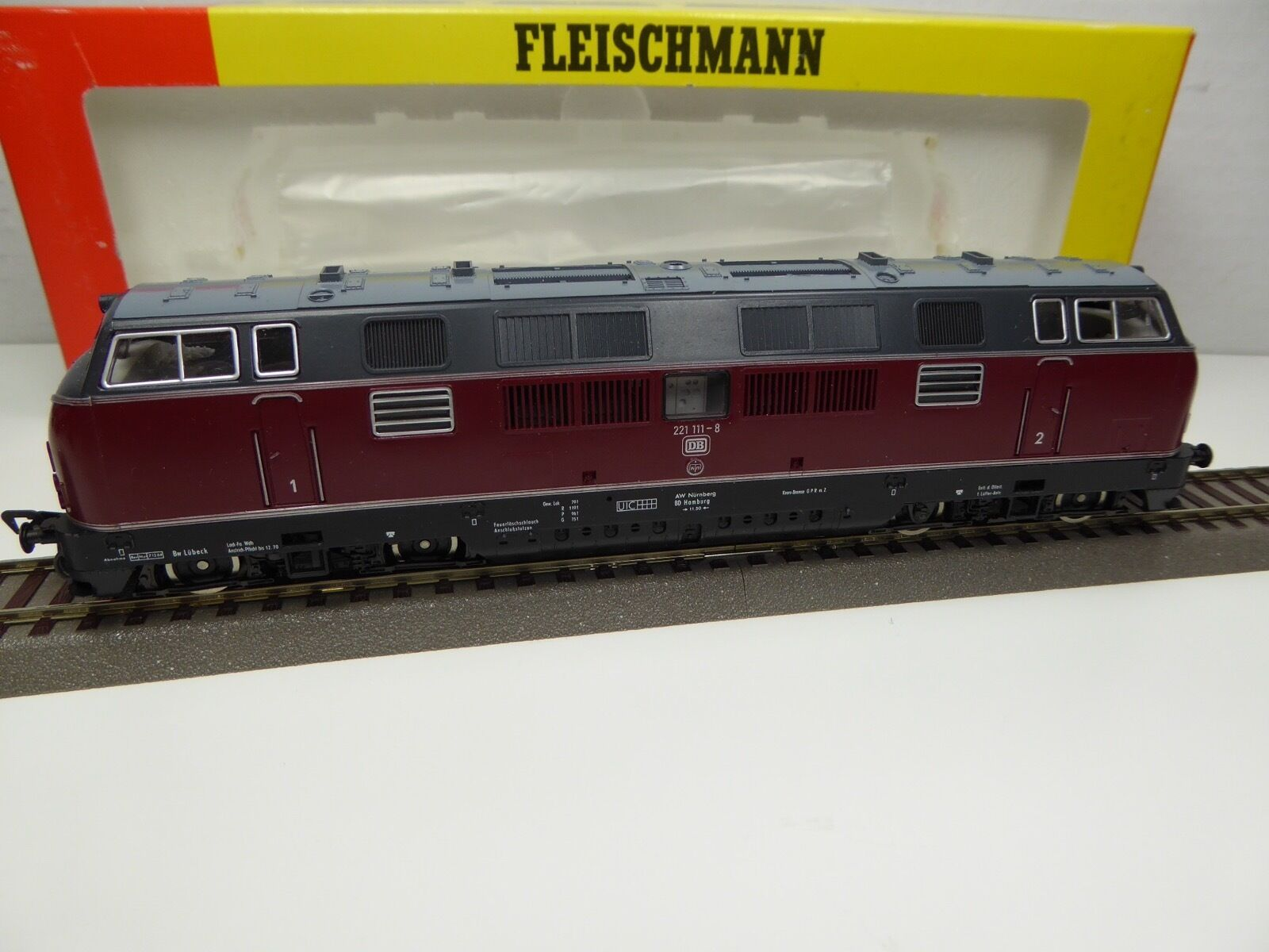 Fleischmann 4235 - HO - DB - Diesellok 221 111-8 - OVP  3007