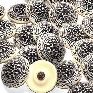 Capable Mercerie Lot De 2 Gros Boutons Vintages Originaux écru Et Noir 32mm Button Rendre Les Choses Commodes Pour Le Peuple