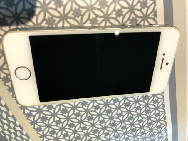 Apple iPhone SE - 64 Go - Argent (Désimlocké)