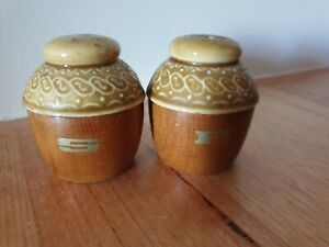 TwoCsVintage. Home and living Vintage kitchen.1 pr Vintage mid century ceramic salt and pepper shakers Barware Food and drink