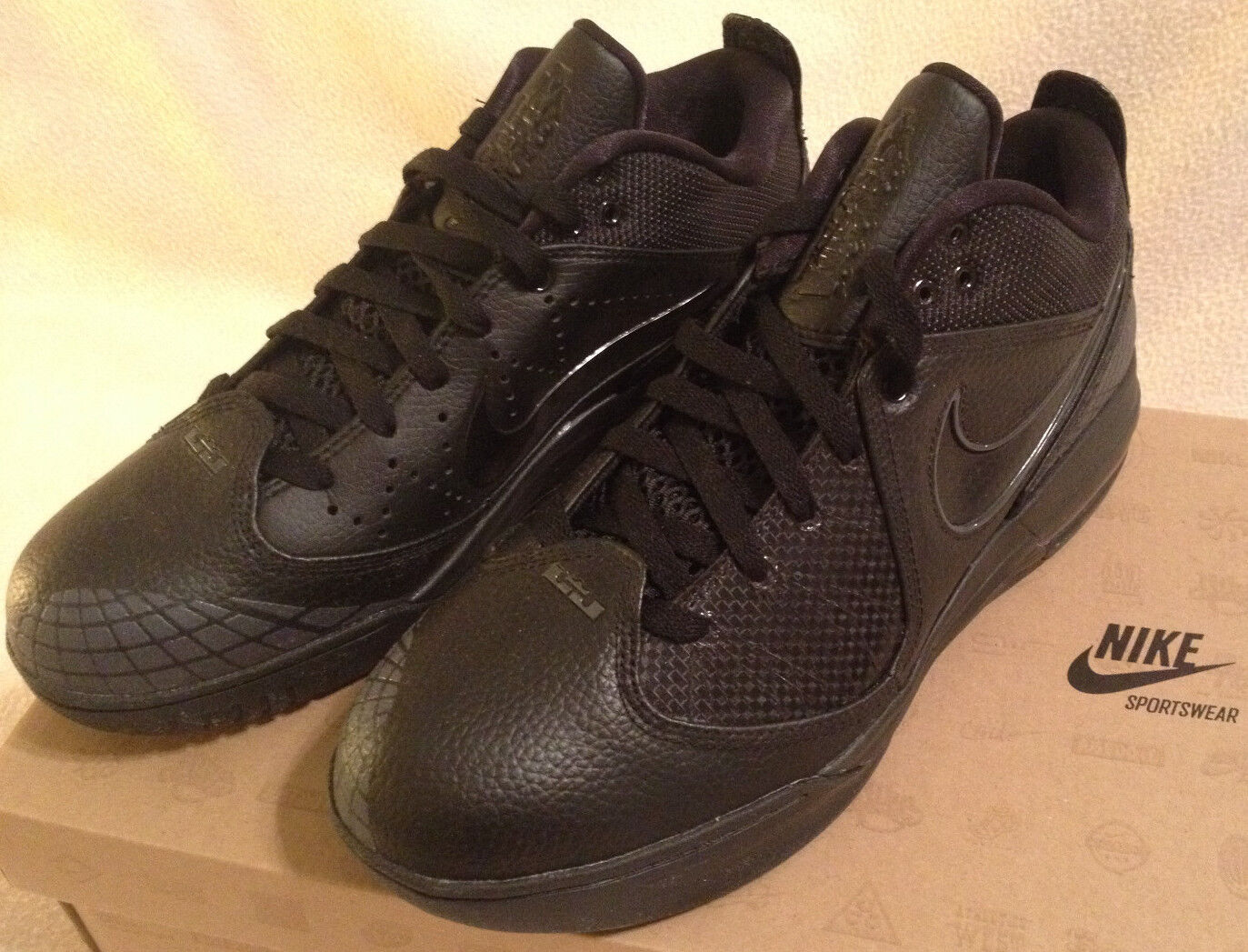Nike Air Max Ambassador 4 IV 456815-001 Black Lebron Basketball Shoes Men's 9.5