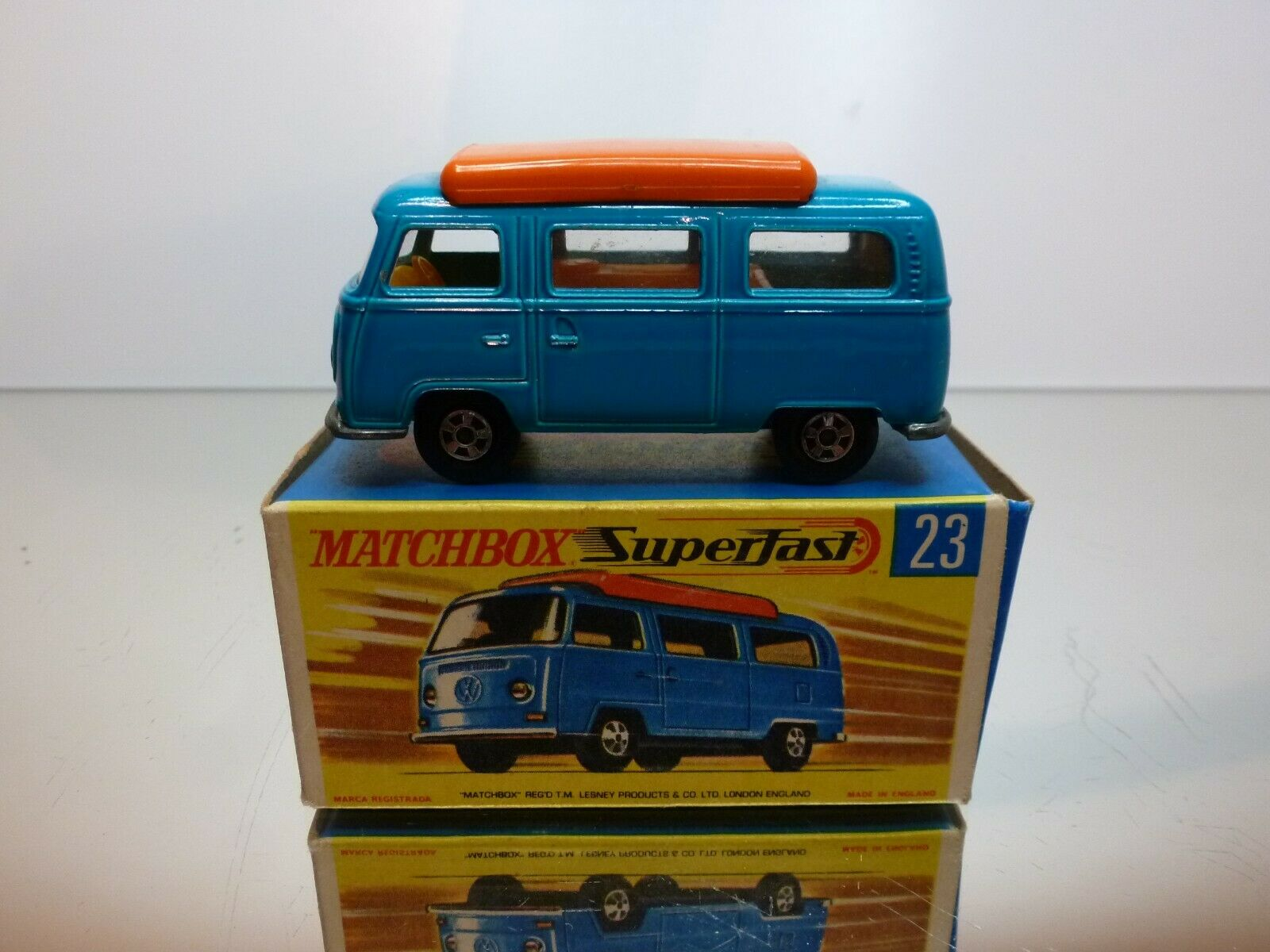 MATCHBOX 23 VW VOLKSWAGEN T2 CAMPER - bleu - EXCELLENT CONDITION IN BOX