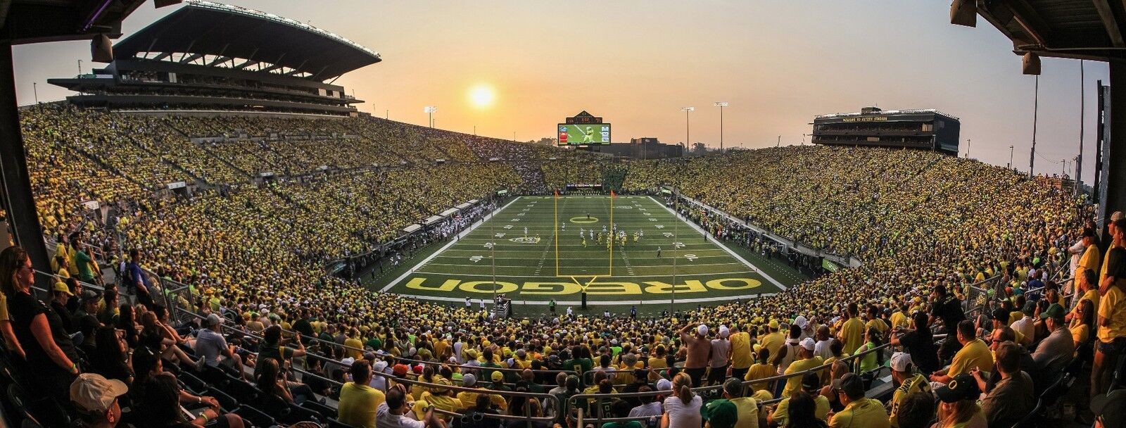 Nebraska Cornhuskers at Oregon Ducks Football