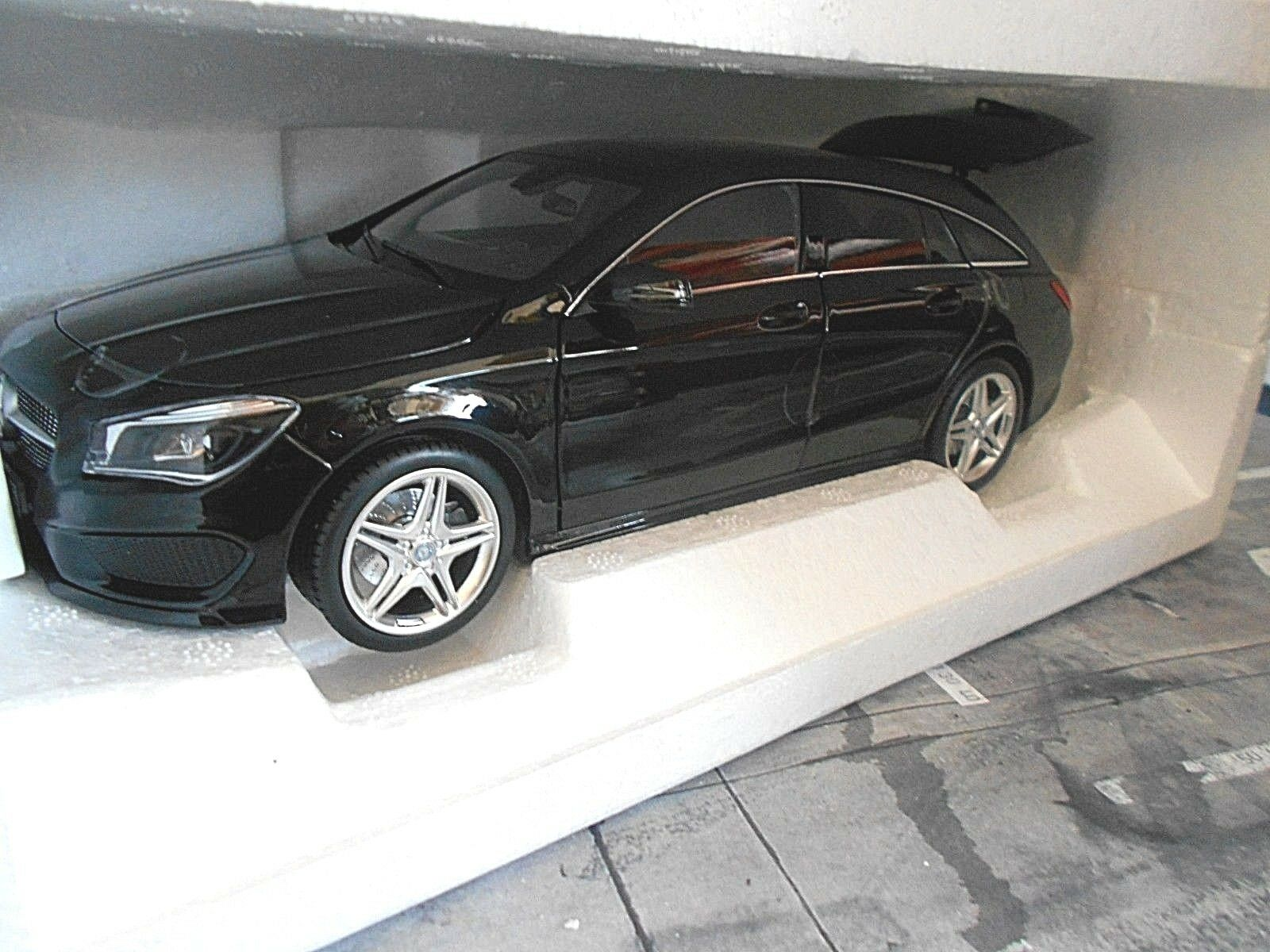 MERCEDES BENZ CLA C classe Shooting Brake Combi 2015 Noir 217 Limit 1 18 NEUF