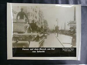 PHOTO-1939-45-PANZER-AUF-DEM-MARSCH-AM-KAI-VON-SALONIKI-FOTO-ATLANTIC