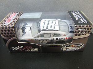 Matt-Kenseth-2013-BATMAN-Gamestop-Joe-Gibbs-Camry-1-64-NASCAR