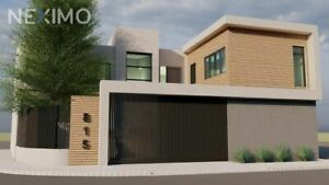 Casa en venta, ubicada en Monterrey, Nuevo León