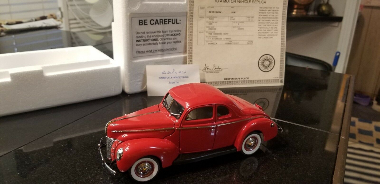 Rare Danbury Mint Red 1940 Ford Deluxe Coupe Diecast Car 1 24 In Box Vintage