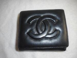 90029838 Details about Vintage Chanel black lambskin leather CC logo bi-fold wallet
