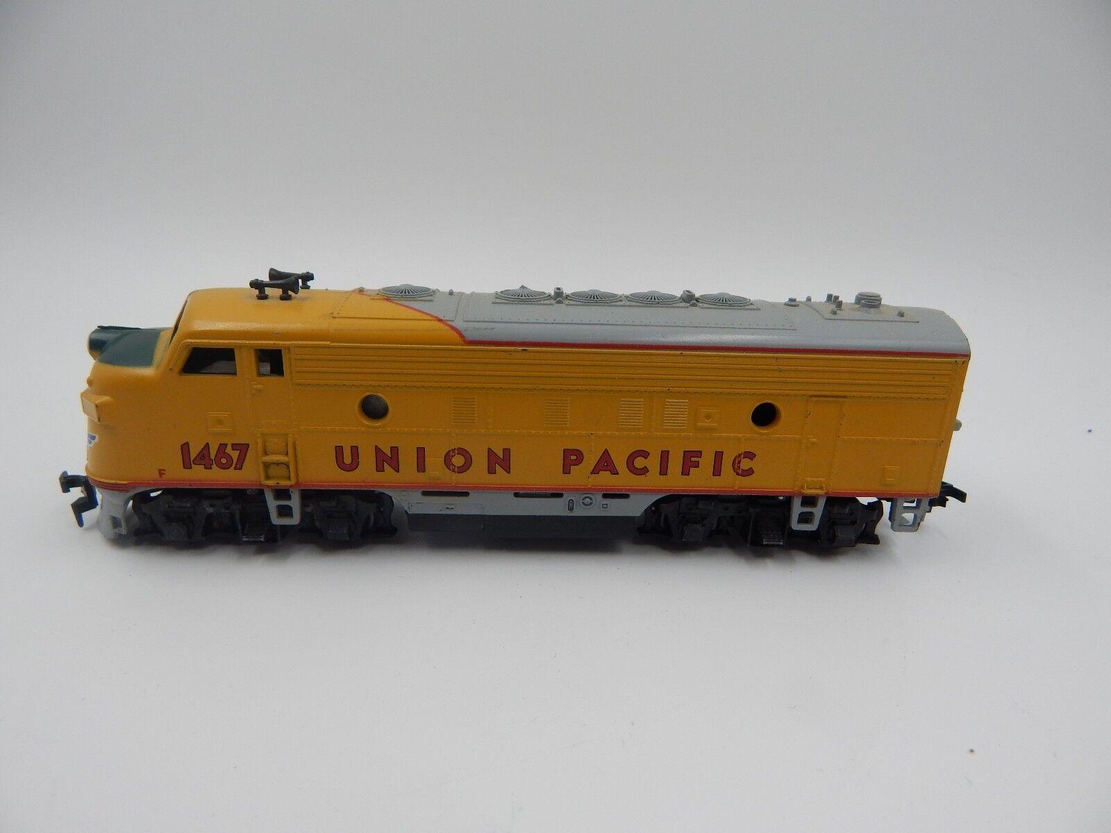 Athearn Model Train Car - Union Pacific Locomotive 42005 HO Scale